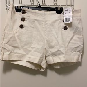 BRAND NEW FOREVER 21 WHITE SHORTS WITH POCKETS